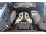 R8 4.2 FSI クワトロ 4WD