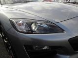 ヘッドライトはもちろんHID、マイナーチェンジにより鋭くなった眼光も魅力です