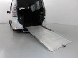 トヨタ ヴォクシー 2.0 X Lエディション ウェルキャブ スロープタイプII サードシート無