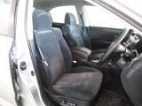 フロント左右のシートはパワーシートで微調整が効くのでお好みのシートポジションに合わせられます!