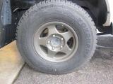 社外のホイルにスタッドレスタイヤを装着しております!!