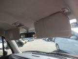 運転席と助手席にサンバイザーがついています