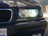 ヘッドライトは純正BOSCH製を分解して清掃、エンジェルリングCCFを組み込んでいます。