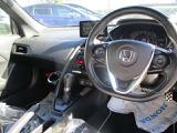 運転者目線のインパネです。見やすいレイアウトで快適なドライブをサポートします♪