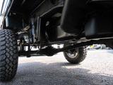 アゲトラック作製!!社外アルミホイール!社外ステアリング!4インチリフトアップ!ヒッチメンバー付き!SDナビ!ワンセグTV!CD♪エアコン・パワステ付き!4WD軽トラックの入庫です♪