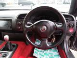 ドライバーのことを考え作られたインパネ周り♪内装は赤で統一されていてとてもかっこいいです☆
