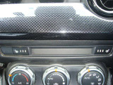 快適装備のオートエアコン装備☆DVDも見れます☆シートヒーターも付いてます☆