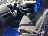 フロントシートもゆったり座れ、長時間ドライブも疲れません!!