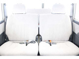 2列目シート付き☆リアヒーター付き☆★リアシートは成人男性でもゆったり座っていただける居住空間になります★