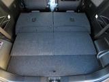 リヤシ-トは分割可倒式です。両方倒すと大きな荷室空間が作れます!