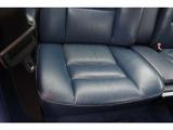 運転席側リアシート座面綺麗です。運転席側リア内張り綺麗です。