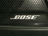 BOSEサウンドシステムを搭載しております。中高音の音の広がりがとても良く何処のシートに座って頂いても良い音質を楽しんで頂けます。