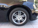 タイヤサイズは235/65R/18です。