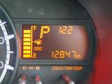 気温や燃費などをドライバーにお知らせするインフォメーションディスプレイ搭載!少ない走行距離もポイント!