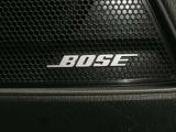 車内でも心地よいサウンドを楽しめるBOSEサウンドシステム搭載です。