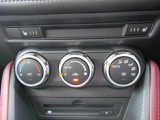 簡単操作のオートエアコン!運転に集中できますね!