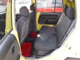 運転席、助手席、汚れ、破れ等ありません。