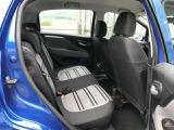 複数のグレー系カラーでコーディネートされたインテリア プントエヴォのシートはグレーのファブリックに黒のラインが入った地味でイタリア車独特の派手もの感が注入されています