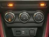 オートエアコン常に室内を快適な空間に保つよう、温度、風量をセンサーで自動調整します。