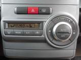 オートエアコン付です!お好きな温度を設定していただくと自動で風力を調節してくれますよ\(^o^)/♪