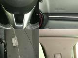 運転席・助手席のエアバッグに加え、カーテンエアバック&フロントサイドエアバックは万一の衝突時に、車両側面の衝撃から後部座席の大切な人を守ります。防御姿勢が取りづらい側面衝撃に備える補助安全装備です。