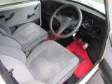 シートは、運転席に少しヘタリありますが汚れ、切れなく状態良好です!