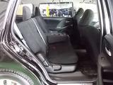 ★ リアシートの膝回りには余裕のスペース!肉厚なシートクッションの座り心地はセダンクラスの様です。誰でもが快適に座れます