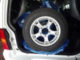 積み込みタイヤ(175/80R16)社外アルミホイール付き冬タイヤ