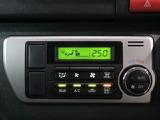 快適な空調管理も簡単操作!室内温度を下げ過ぎたり上げ過ぎると燃費にも影響が出ますので調整をするとエコドライブになりますよ♪