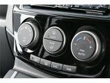 オートエアコン搭載!ワンタッチで車内の温度調節が可能です♪