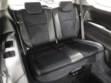 サードシートです。 荷物が思っていたより多くなった時や大人数でのドライブにも様々なシーンに対応できて、とても便利ですね。