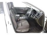 運転席・助手席はパワーシ-トになっております♪レバーを操作するだけで簡単にシートポジションを変更できますよ♪