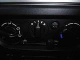 マニュアルエアコン装備車です♪お手軽簡単操作で車内を快適に♪