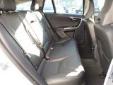 後部座席の座り心地もよく、長時間のドライブにおいても疲れにくいと定評のあるシートです