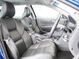 運転席はパワーシートにより、体に合わせて細かく調整ができます 本革素材により、手触りも良好です