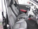 しっかり体をサポートするシートは安心感もあり疲労も軽くします。