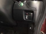 【パワースライドドア&VSA】左側がパワースライドドアになっており、運転席のスイッチやスマートキーリモコンからでも開閉が可能です!横滑り抑制装置のVSAも装備していて安心ですよ~♪