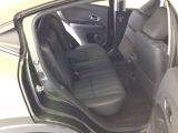 後部座席の足元も広々でゆったり座れます!