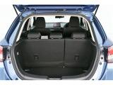 運転席の次にキズや汚れの付き易いトランクルームですが、使用感も少なくキレイな状態です♪