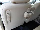 ダストボックスを後席に取り付ける場合はこの様になり、左側にも取付は可能です。