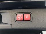 後部のハッチゲートは電動開閉式。ワンタッチで開閉できるのでとても便利です。