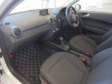 Audi Approved柏の葉は正規ディーラーであることはもちろんのこと、保険代理店でもあります。セールススタッフは、保険の有資格者ですので保険のご相談もお任せください TEL04-7133-8000 担当 杉澤