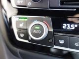 シートヒーティング機能付きで、3段階の温度調整が可能です。冬は暖房よりも先に暖まり風もなく快適です。1度使うとやめられない機能の一つです。