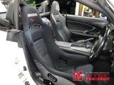 運転席はBRIDE製・フルバケットシートを装着。しっかりとしたホールド感と共に、腰痛のある方にもお勧めしたいフルバケットシート。痛みも少なく、コンディション良い状態です。