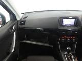 運転席・助手席周辺の収納スペースも充実しています。ドライブ時に持ち歩くモノをよろしければお持ち下さい。実際使っていただくとその便利さが伝わると思います。