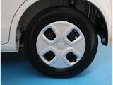【145/80R13】タイヤの残り溝もしっかり残っております。ご納車前に点検・空気圧調整もさせて頂きますので、ご安心下さい。