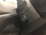 電動でハンドル位置を微調整