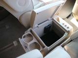 ☆【カップホルダー】後席用のカップホルダーも付いています。