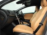 整形外科医と共同開発したボルボが誇るシートは、長時間のドライブでも体への負担を最小限にするよう設計されています。またランバーサポートを装備し、腰痛の方でも快適にドライブいただけます。