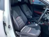 レザー調のブラック内装です。座り心地が良く、お手入れがしやすいので人気の仕様です!